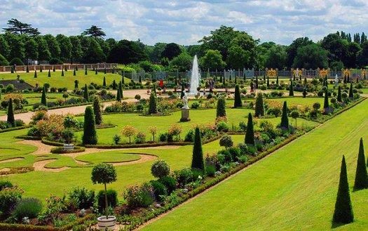 london-hampton-court-royal-gardens