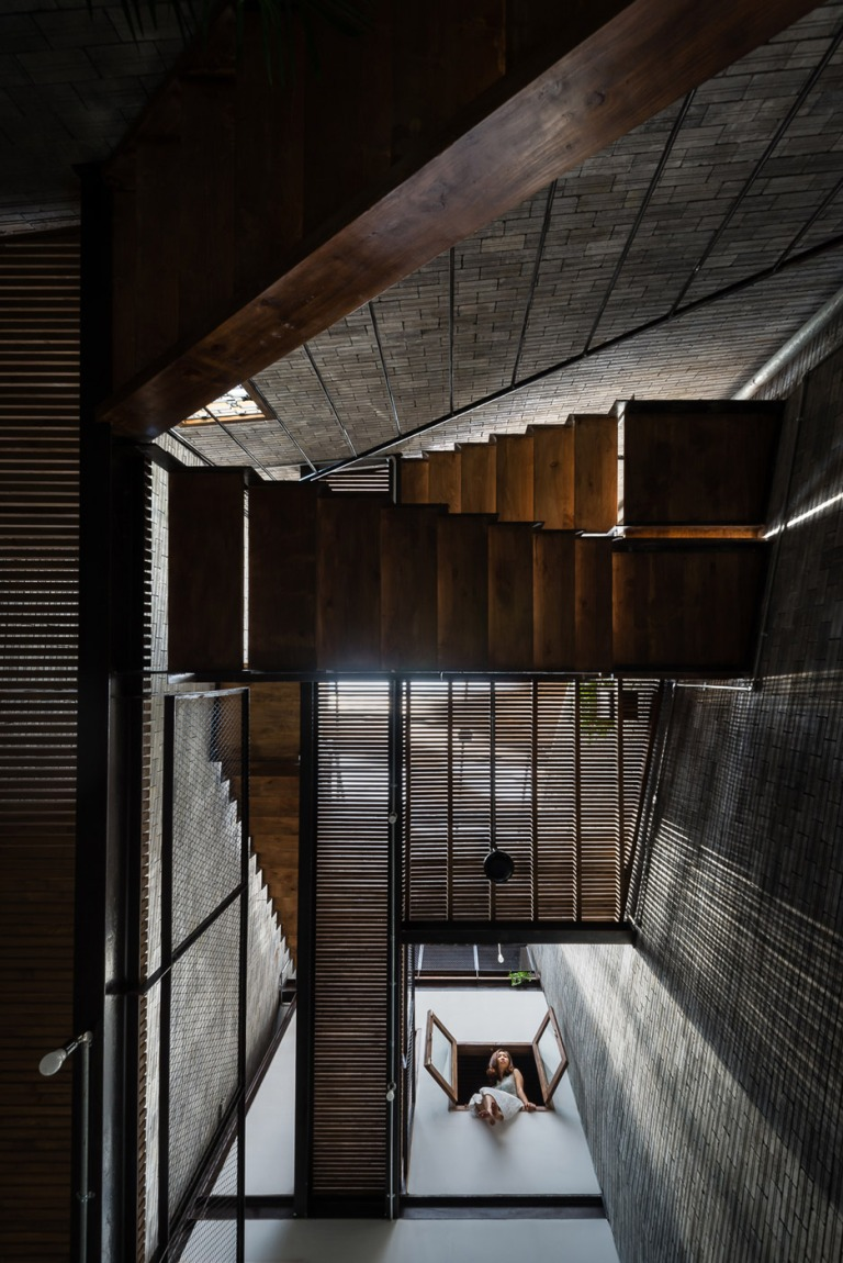 zen-house-ha-residential-building-binh-thanh-viet-nam_dezeen_936_19